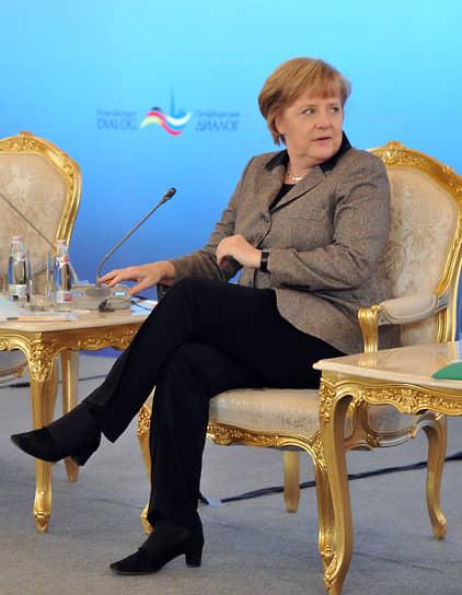 На российско-германском форуме гражданских обществ «Петербургский диалог» в Кремлевском дворце, 2012 год