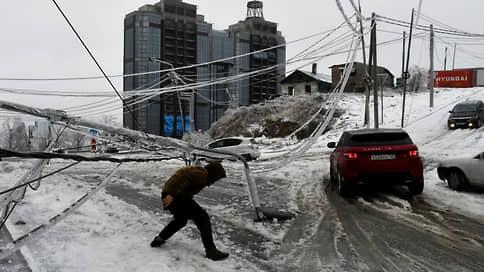 Ледяной дождь оставил часть Приморья без света, тепла и воды  / Михаил Мишустин направил в регион главу Минвостокразвития для руководства ликвидацией последствий ЧС
