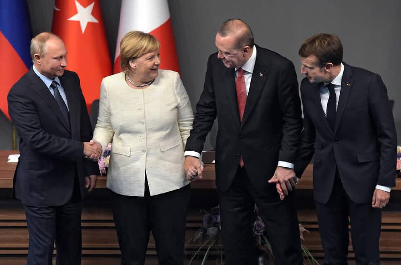 Пресс-конференция по итогам четырехстороннего саммита по вопросам сирийского политического урегулирования и социально-экономического восстановления в Стамбуле, 2018 год