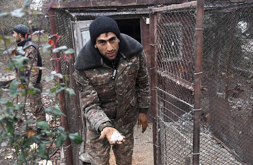 Беженцы-армяне из села Ухтасар Аскеранского района оставляют свои дома