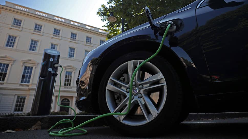 Авто гибридные — проблемы дизельные / Производителей гибридных автомобилей уличили в занижении данных по выбросам CO2