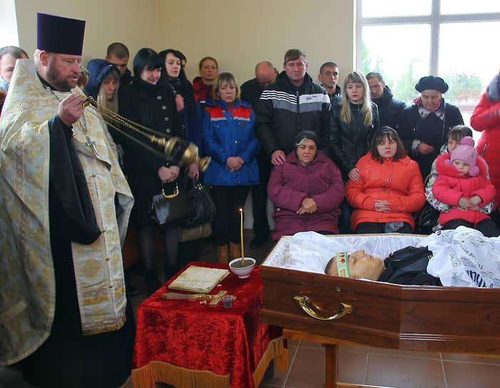 27 ноября 2015 года близкие простились с погибшим Александром Позыничем. Он похоронен с воинскими почестями на Аллее Славы в Новочеркасске Ростовской области