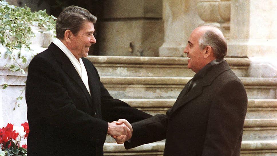 Как 35 лет назад впервые встретились Горбачев и Рейган