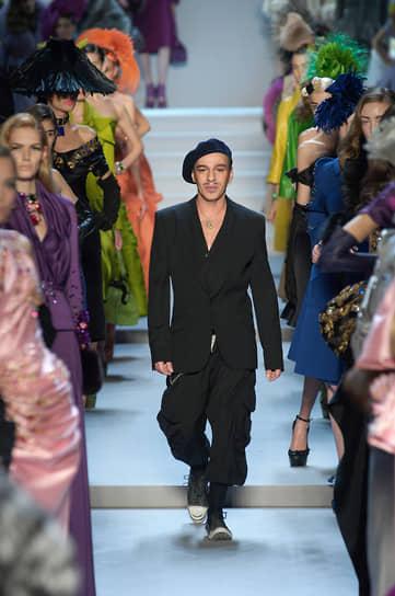 В июле 2020 года вместо традиционного показа в рамках парижской Недели моды дизайнер выпустил фильм S.W.A.L.K., снятый в сотрудничестве с фотографом Ником Найтом. В нем Гальяно рассказал о процессе работы над коллекцией Maison Margiela Artisanal