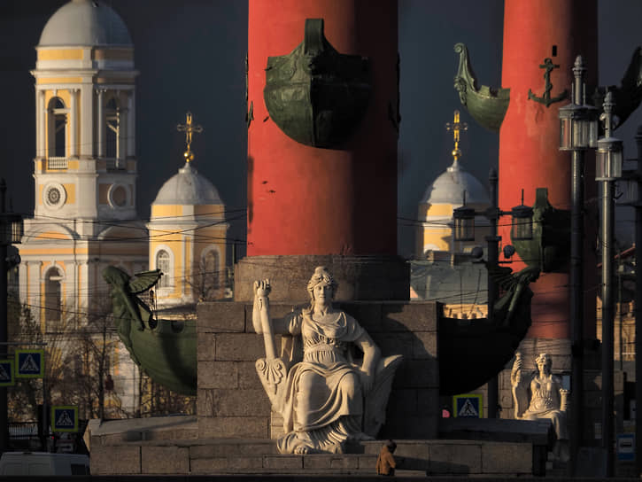 Санкт-Петербург, Россия. Вид на Стрелку Васильевского острова