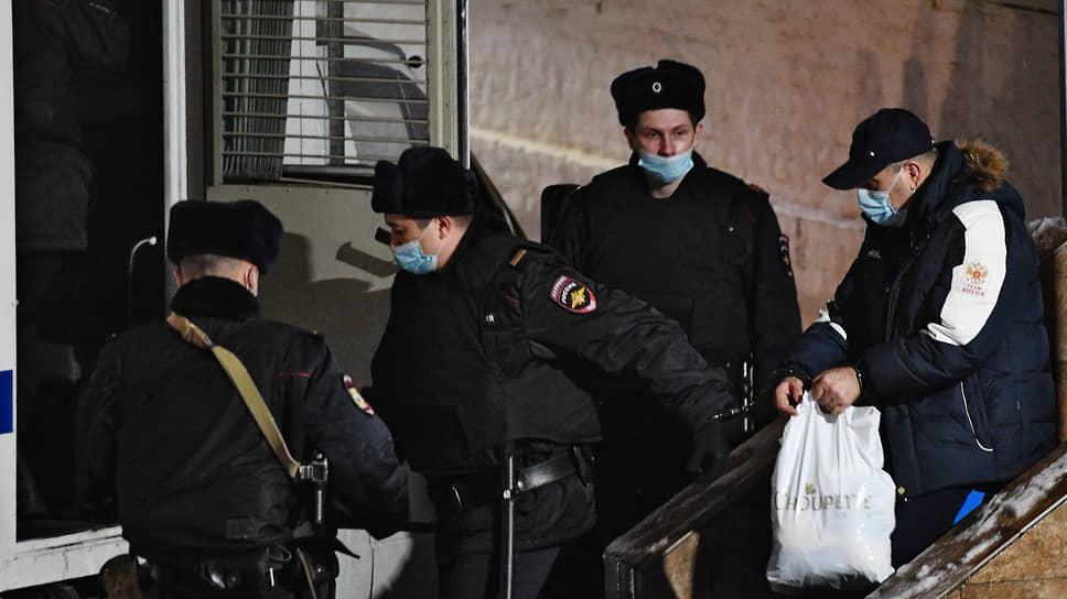 Начальник ОМВД России по Кизлярскому району Дагестанам Гази Исаев обвиняется в причастности к терактам в московском метро в 2010 году