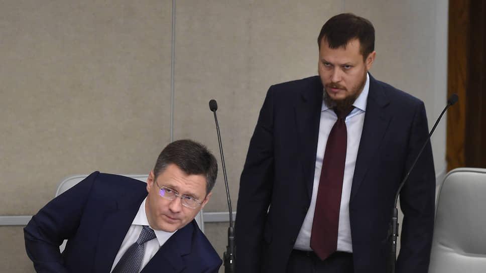 Министр энергетики России Александр Новак (слева) и Павел Сниккарс