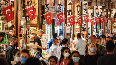 Туристы не сдают Турцию // Страна остается популярной, несмотря на новые ограничения