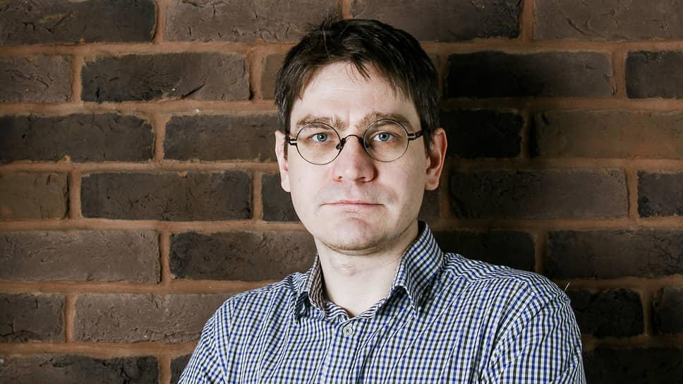 Руководитель проекта «Декларатор» при Transparency International — R Андрей Жвирблис
