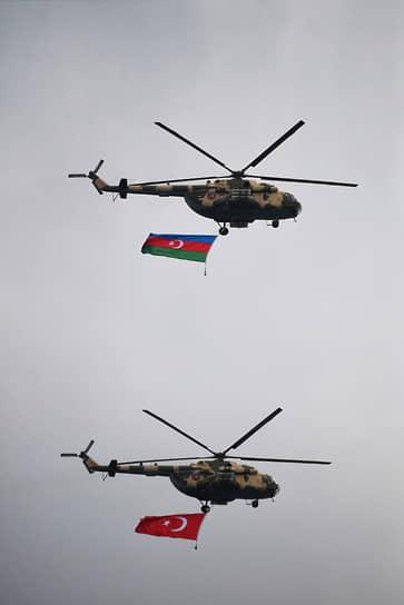 Также были продемонстрированы около 150 единиц военной техники