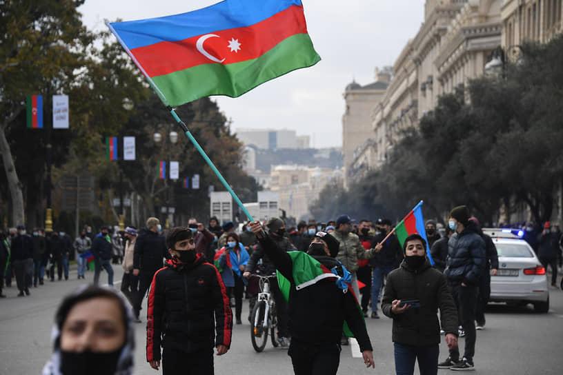 Парад прошел на площади Свободы в Баку