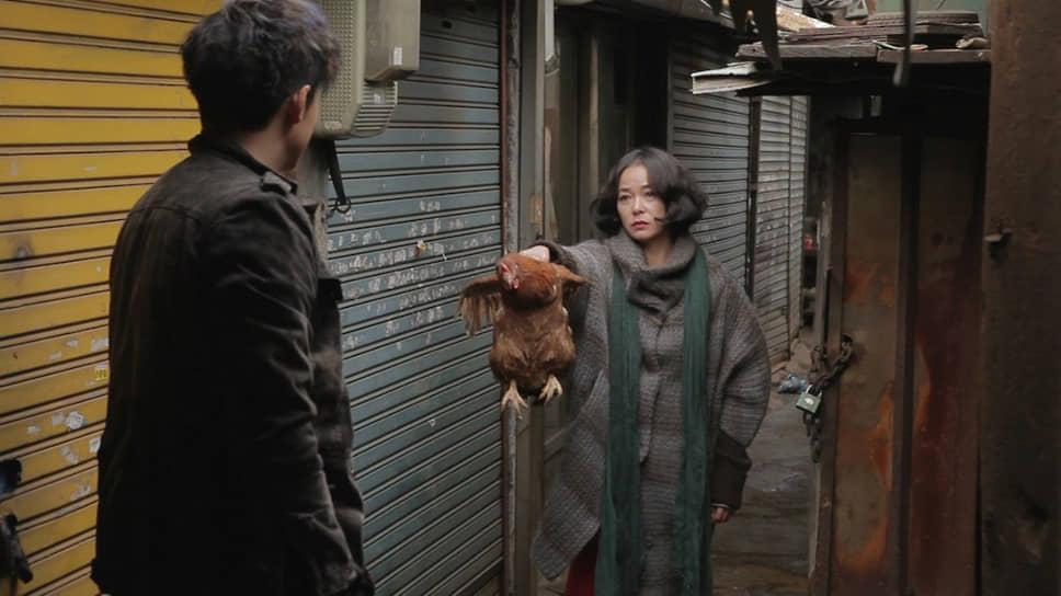 """«""""Пьету"""" я изначально думал снимать с французскими актерами, потом понял, что не получается, и нашел японского актера. Но в последний момент он отказался сниматься, тогда я вернулся в Корею, за неделю нашел ему замену и спокойно снял фильм»<br> В 2012 году на Венецианском фестивале победил триллер Ким Ки Дука «Пьета» (кадр на фото), названный в честь одноименной скульптуры Микеланджело. Картина завоевала сразу пять наград, включая самую престижную — «Золотого льва»"""