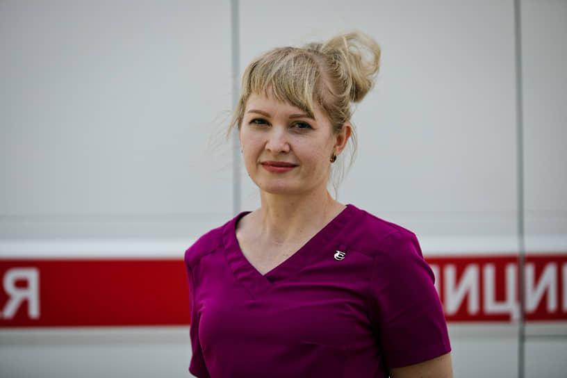 <b>Светлана Самарина, заведующая 4-м отделением Оренбургской областной клинической инфекционной больницы</b><br> «Сейчас многие называют врачей героями, но мы просто выполняем свою работу, свой долг. Наша больница стала первой принимать пациентов с коронавирусом еще в марте. Медработникам пришлось применить весь свой опыт и профессионализм, столкнувшись с новым заболеванием. Благодарность пациентов для нас превыше всего»