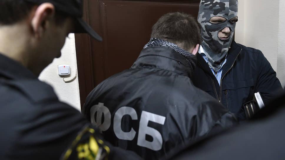 Подпольных финансистов обыскали 36 раз