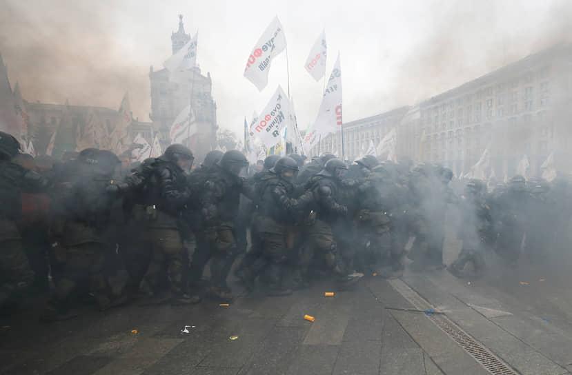 Киев, Украина. Столкновения полиции и протестующих предпринимателей