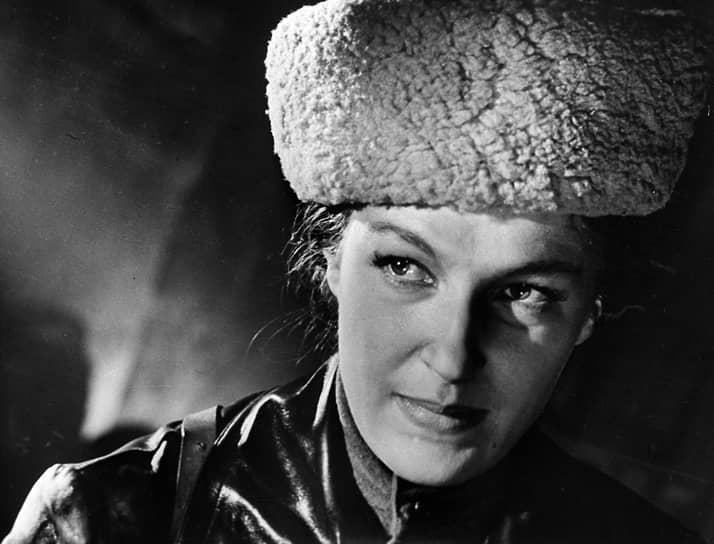 Одной из последних ролей актрисы в кино стала Мария Косова в фильме Всеволода Воронина «Одиночество» (1965). В конце 1960-х годов Светлана Дружинина занялась режиссурой