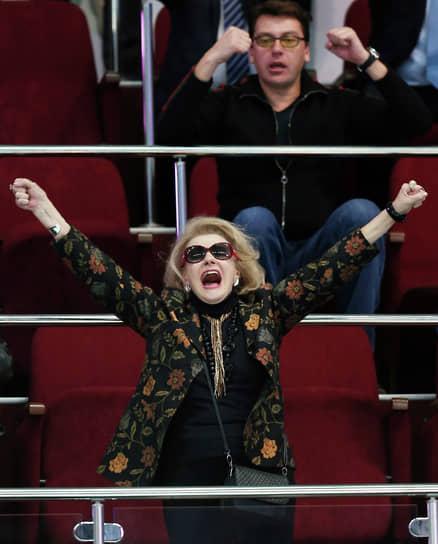 Сын актрисы Михаил Мукасей (на фото) женат на двукратной чемпионке мира по волейболу Екатерине Гамовой. Светлана Дружинина периодически посещала матчи с ее участием