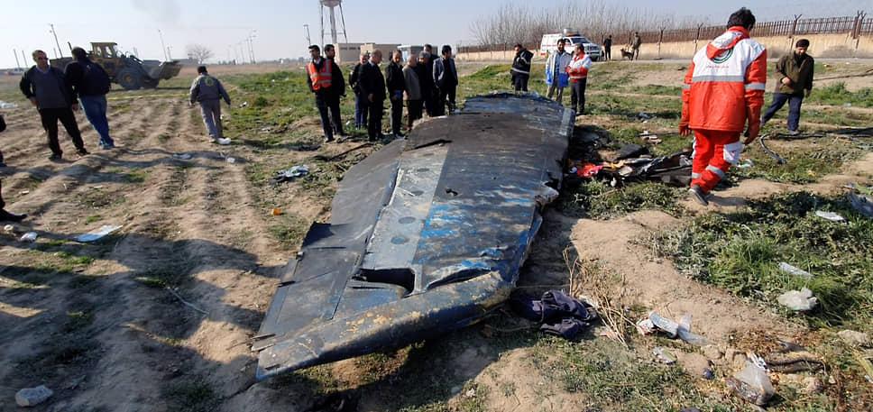 <b>Катастрофа украинского самолета Boeing 737-800 в Иране</b><br> 8 января Boeing 737-800 авиакомпании «Международные авиалинии Украины» разбился вскоре после вылета из  аэропорта Тегерана. Погибли 176 человек. Позже власти Ирана признали, что самолет был сбит по ошибке   <br> Заметность события: 7 756,5
