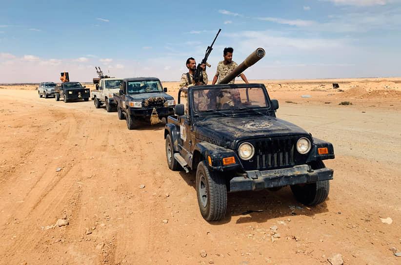 Конфликт в Ливии <br>В начале года в Ливии обострилось противостояние между Ливийской национальной армией (ЛНА) фельдмаршала Халифы Хафтара и силами Правительства национального согласия (ПНС), которые борются за власть над республикой. 6 января ЛНА взяла под контроль крупнейший порт страны Сирт, а в мае потерпела поражение от ПНС на западе Ливии, потеряв авиабазу Эль-Ватыя <br>Заметность: 4 736