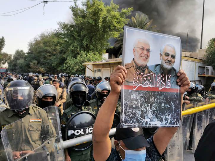<b>Конфликт США и Ирана</b><br> 3 января в ходе военной операции США был убит иранский генерал Касем Сулеймани. В ответ Иран обстрелял базы США в Ираке. В течение месяца страны находились под угрозой военного конфликта      <br> Заметность события: 10 061,8