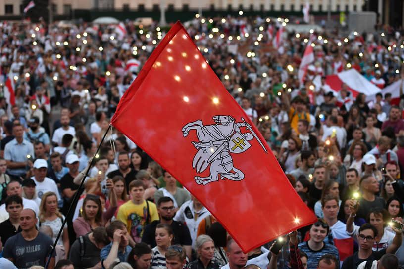 <b>Протесты в Белоруссии</b><br> 9 августа в Белоруссии прошли президентские выборы. Победителем ЦИК объявил Александра Лукашенко с 80,1%. В стране начались массовые акции протеста сторонников оппозиционного кандидата Светланы Тихановской   <br> Заметность события: 26 889,2