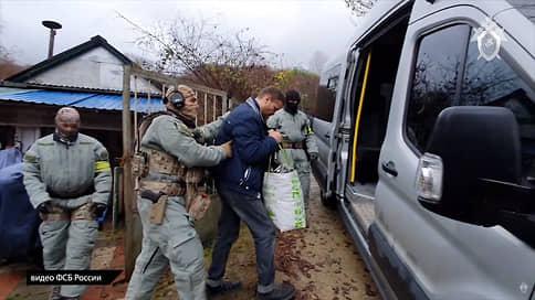 Тесаку нашли подельников // СКР обвинил националистов в убийстве 2007 года
