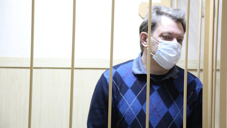 Делу томского мэра добавили семейственности