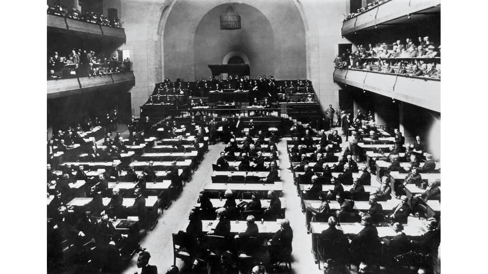 «Нужно было проявить много труда и настойчивости, чтобы побудить Совет Лиги Наций заинтересоваться русскими вопросами» (на фото — заседание Лиги Наций)
