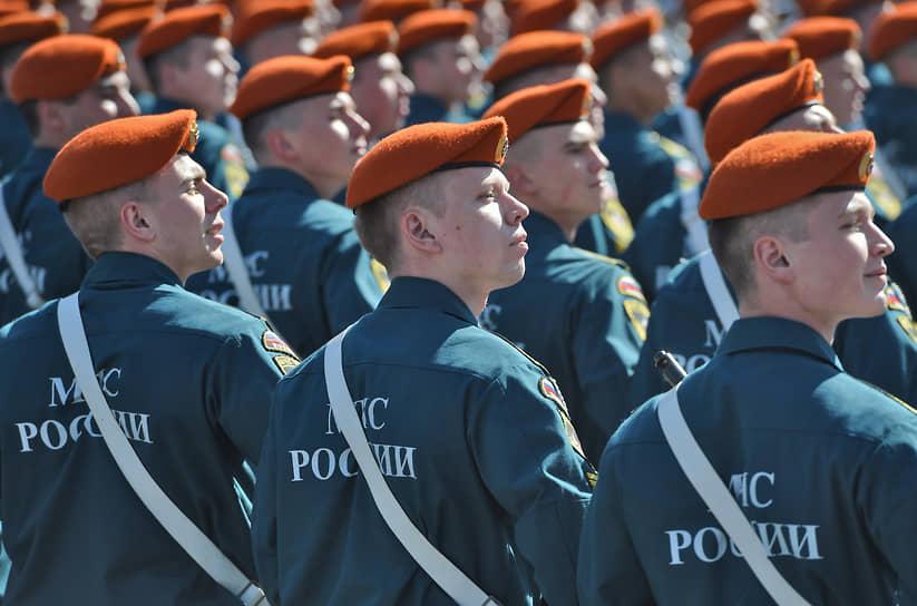 МЧС относится к государственным военизированным организациям, которые имеют право приобретать боевое ручное стрелковое и другое оружие