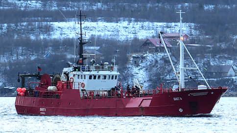 Сети утопили рыбаков // В Баренцевом море перевернулось рыболовецкое судно