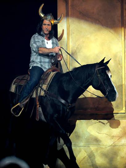 Одними из наиболее заметных фильмов 2010-х, в которых снялся Мел Гибсон, стали триллер «Возмездие», боевик «Неудержимые 3», драма «Игры разумов»