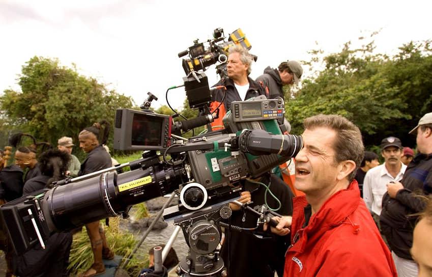 Еще одной успешной работой Гибсона-режиссера стал блокбастер «Апокалипсис» (на фото — кадр со съемок) про цивилизацию майя. При бюджете в $40 млн фильм собрал в мировом прокате более $140 млн и получил три технические номинации на «Оскар» за звук и грим. В 2016 году вышла последняя на данный момент режиссерская работа Гибсона — военная драма «По соображениям совести»