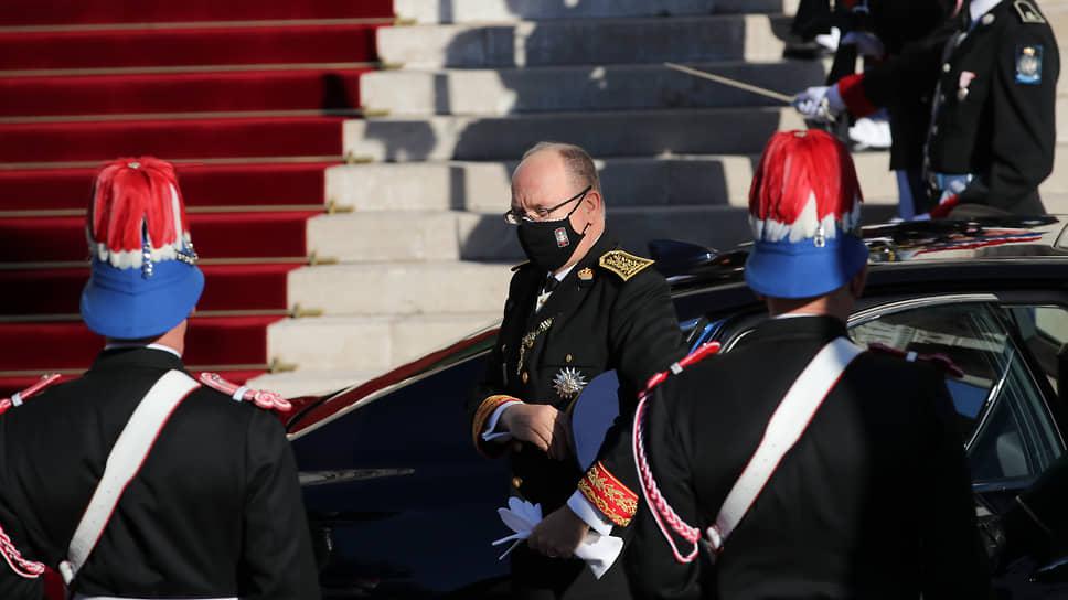 Республика позавидовала монархии