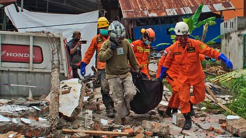 Индонезию потрясло на 6,2