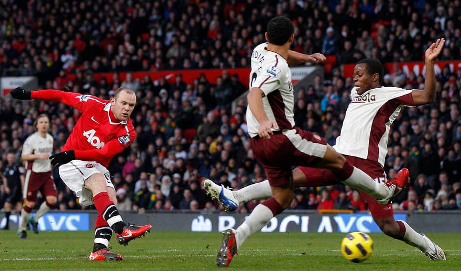 С «Манчестер Юнайтед» Уэйн Руни пять раз выигрывал чемпионат Англии: в 2007, 2008, 2009, 2011 и 2013 году