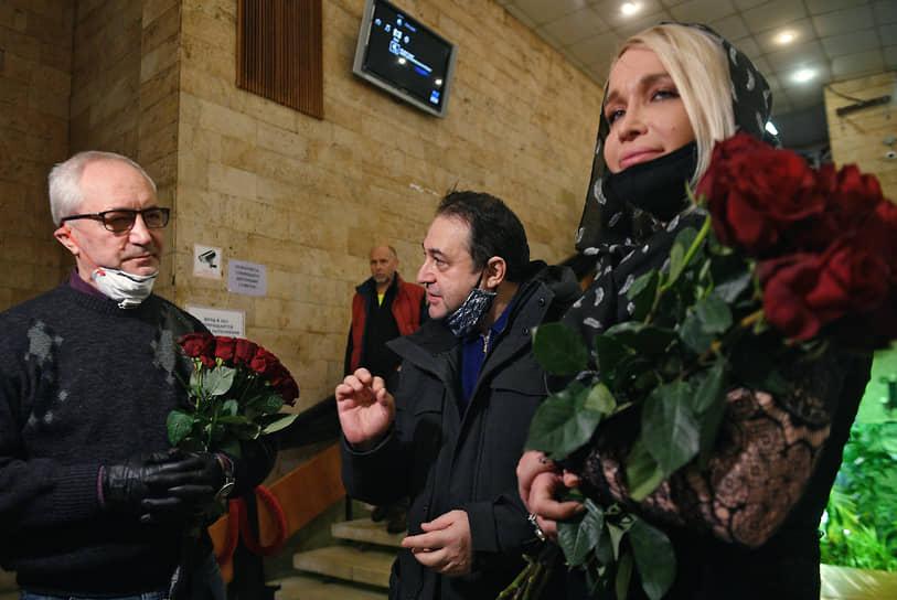 Депутат Мосгордумы, актер Евгений Герасимов (слева)