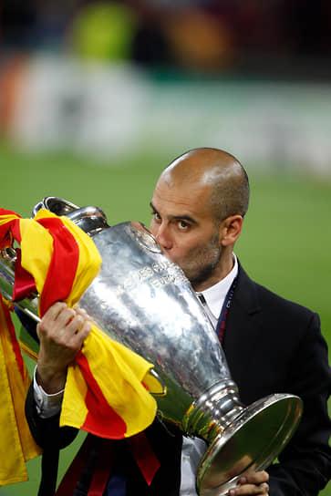 В сезоне 2010/11 Гвардиола потерпел свое первое поражение в финале Кубка Испании: на 103-й минуте бомардир «Реала» Криштиану Роналду забил победный гол головой. Однако в Лиге чемпионов «Барселона» обыграла «Реал» в полуфинале по сумме двух матчей со счетом 3:1. В мае 2011 года «Барселона» завоевала свой 21-й чемпионский титул и стала победителем Лиги чемпионов УЕФА, обыграв в финале со счетом 3:1 «Манчестер Юнайтед»