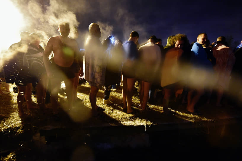 Крещенские купания в роднике Ивушка в Пушкино Московской области