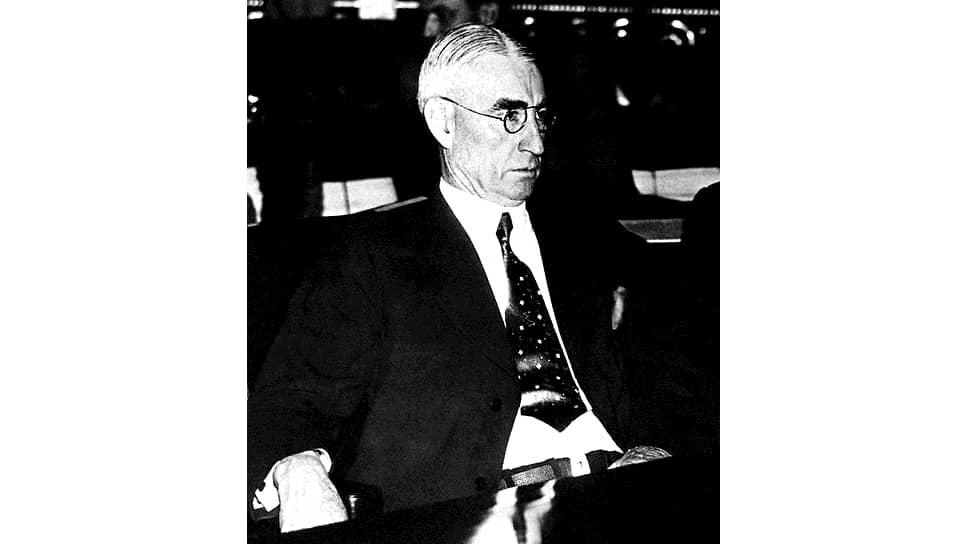 Сенатор штата Нью-Йорк Клейтон Ласк – один из главных борцов с «большевистской угрозой» в штате