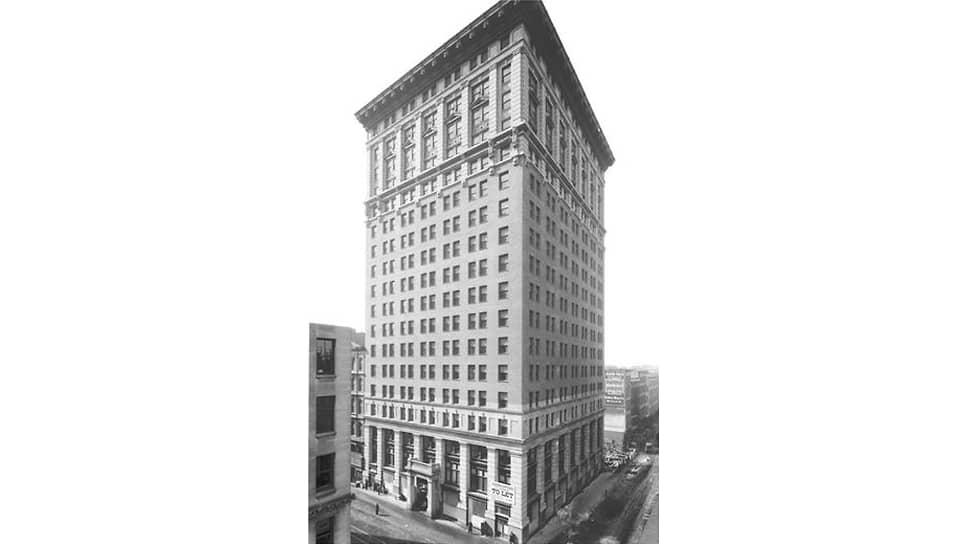 Первоначально Советское бюро располагалось на последнем этаже этого дома на Бродвее