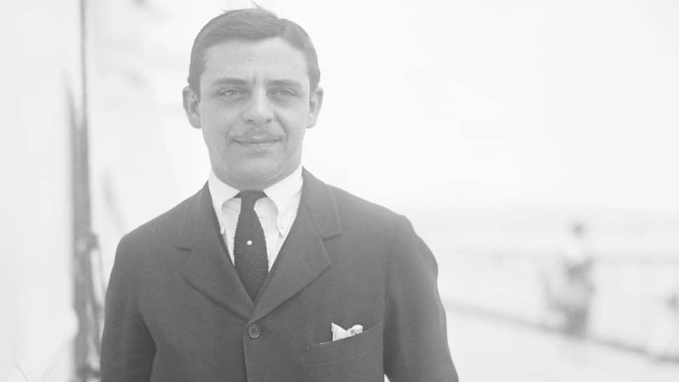 Арманд Хаммер. Без финансовой поддержки его отца Юлия существование Советского бюро было невозможно, утверждал американский социалист Бенджамин Гитлоу