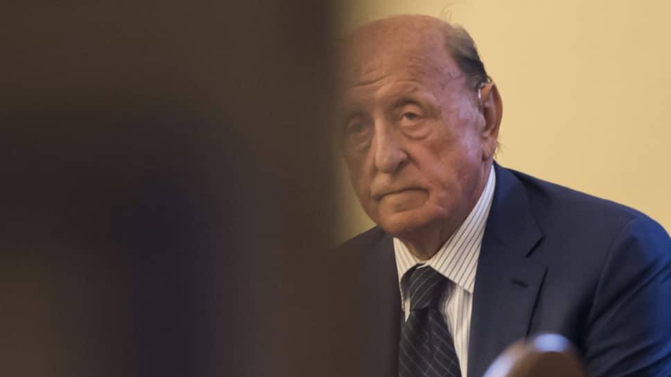 Экс-глава банка Ватикана Анджело Калоя