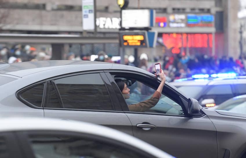 Шествие сторонников Алексея Навального по Тверской улице
