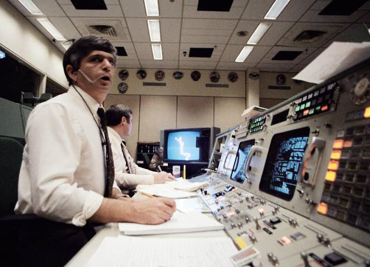 На 57-й секунде полета центр управления сообщил, что двигатели работают с полной нагрузкой, все системы функционируют удовлетворительно. Голосовая связь с экипажем работала. Аварийных сигналов из кабины экипажа не поступало
