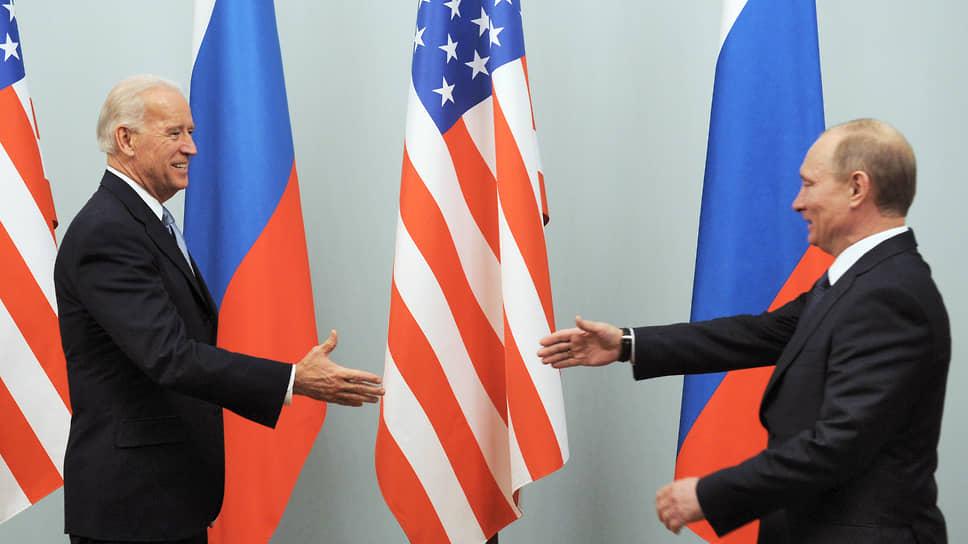 Президент США Джозеф Байден (слева) и президент России Владимир Путин