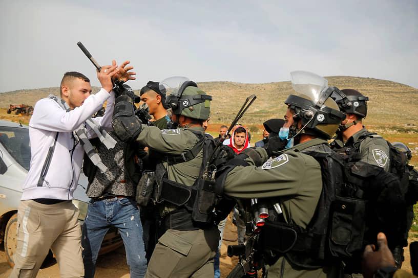 Тубас, Западный берег реки Иордан. Столкновение палестинских протестующих с израильскими силовиками