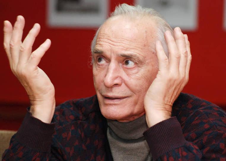 Актер был членом Союза кинематографистов РФ и Российской академии кинематографических искусств «Ника», почетным членом Российской академии художеств и Российского военно-исторического общества