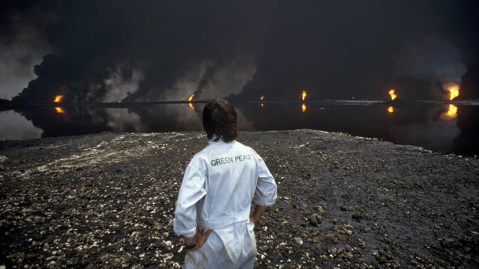 Умышленный разлив нефти и поджоги нефтяных скважин были и военным преступлением, и актами экологического терроризма