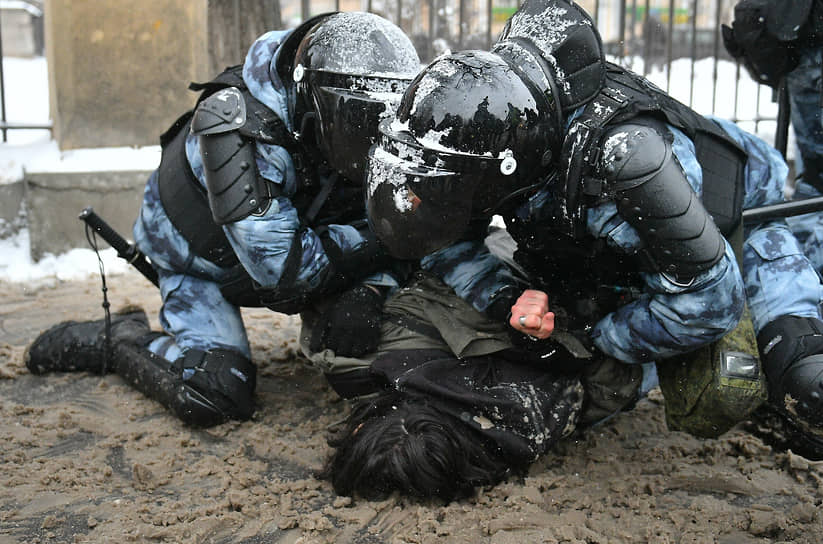 Задержание участника акции протеста возле «Матросской тишины» в Москве