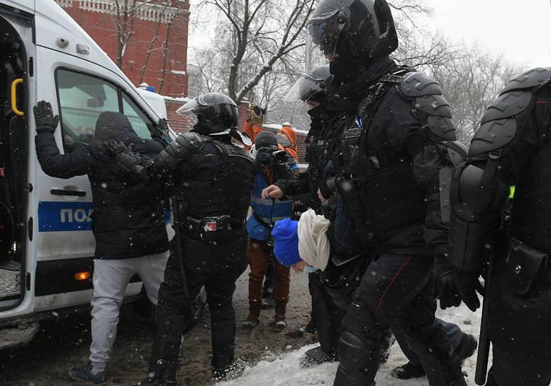 Задержание участников акции в районе «Матросской тишины»
